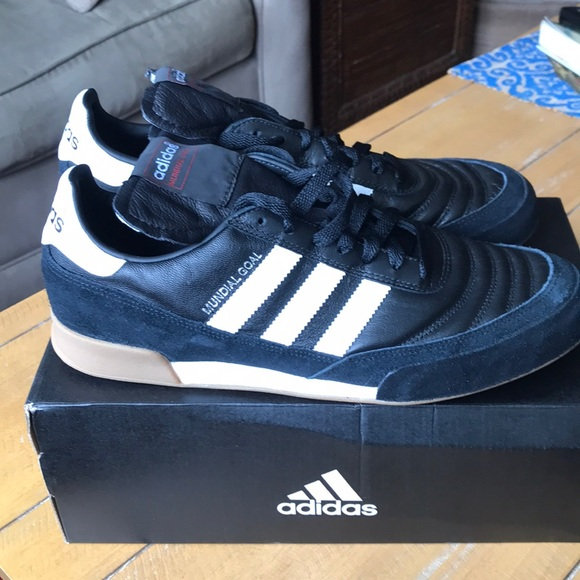 cheaper b7f62 1d06b ADIDAS Mundial Goal Black White Trainers Brand New